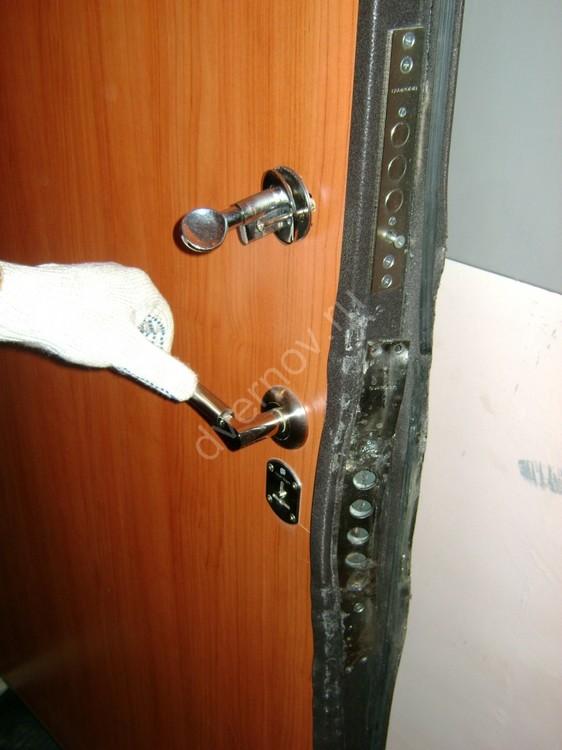 Дверь Компании